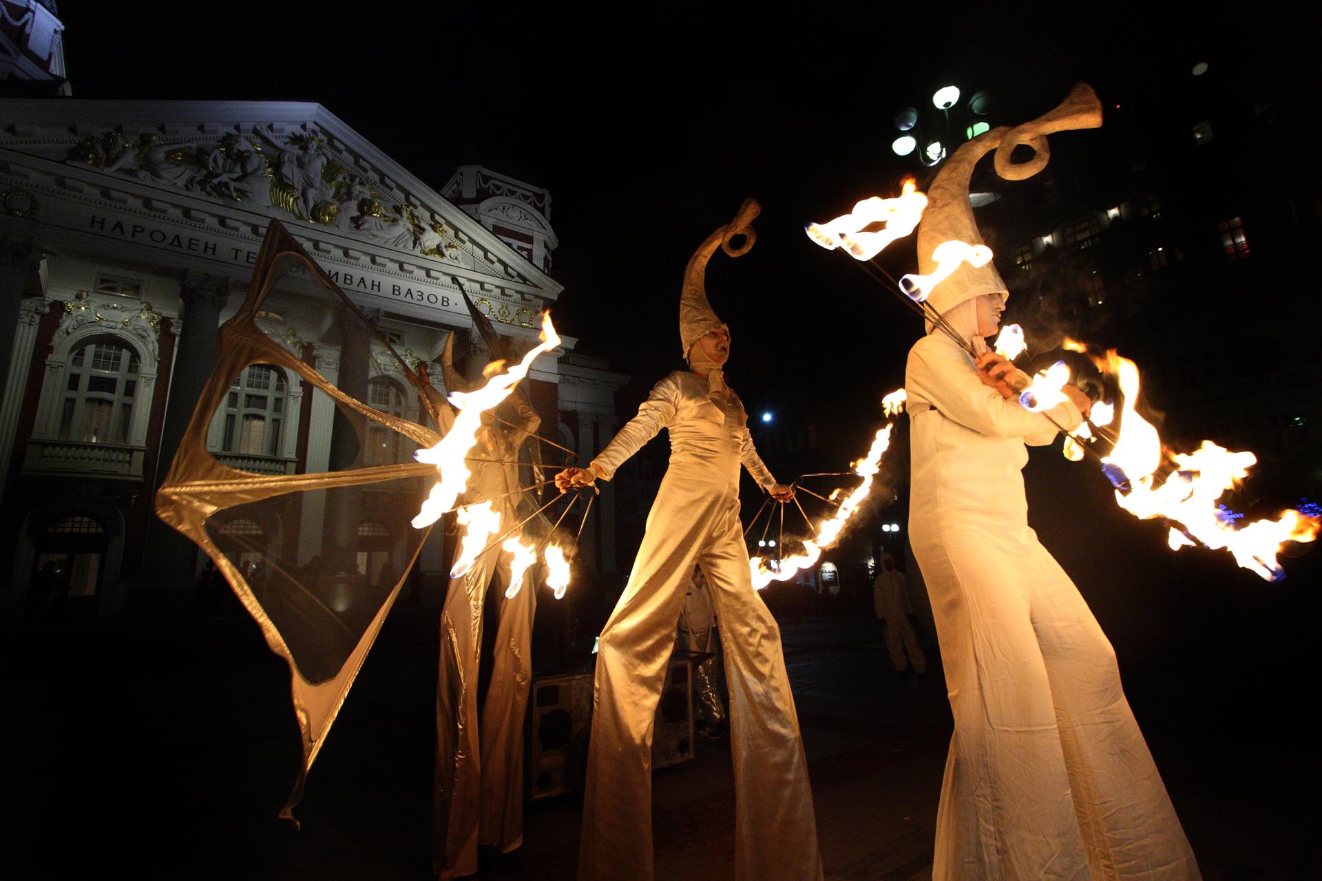 """Театър на огъня и сенките """"Fireter"""" / Theatre of fire and shadows Fireter"""